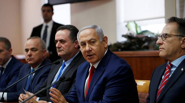 İsrail parlamentosu erken seçim için kendini feshetti