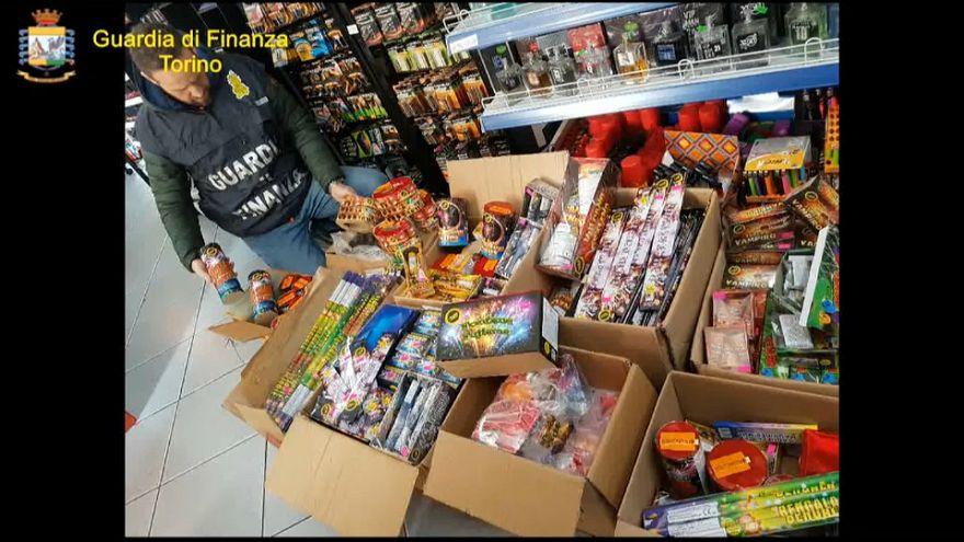Torino: sequestrati 250.000 fuochi d'artificio illegali