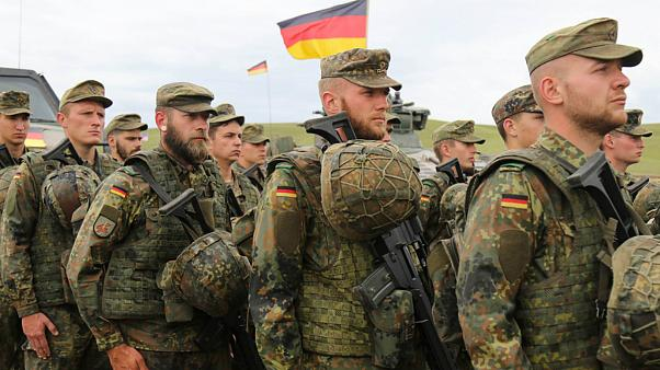 احتمال استخدام شهروندان اتحادیه اروپا در ارتش آلمان