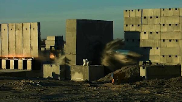 Video | Konya'da test edildi: Bir tonluk bomba ses hızını aşıp betonu deldi
