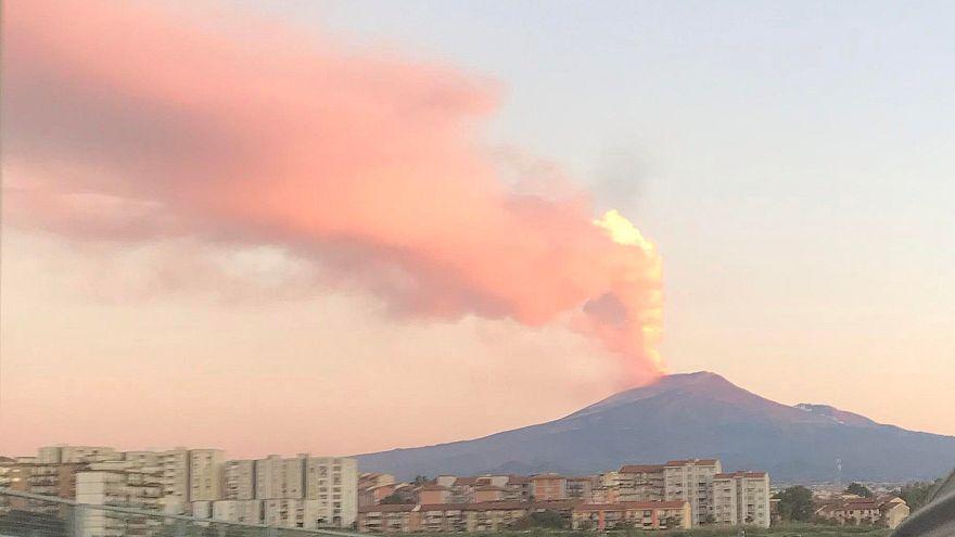 Nem nyugszik az Etna