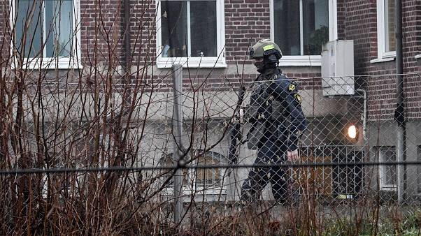 السويد تتهم ثلاثة آسيويين بتخزين مواد كيميائية والتحضير لعمليات إرهابية