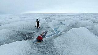أمريكي يكتب التاريخ ويعبر القارة القطبية الجنوبية من الساحل إلى الساحل