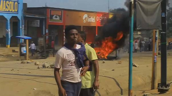 Levantan barricadas en llamas en República Democ´ratica del Congo ante un nuevo retraso electoral