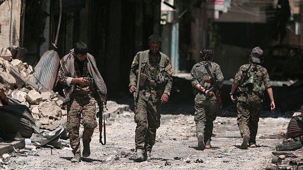 ارتش سوریه در پی درخواست یگانهای مدافع خلق وارد شهر منبج شد