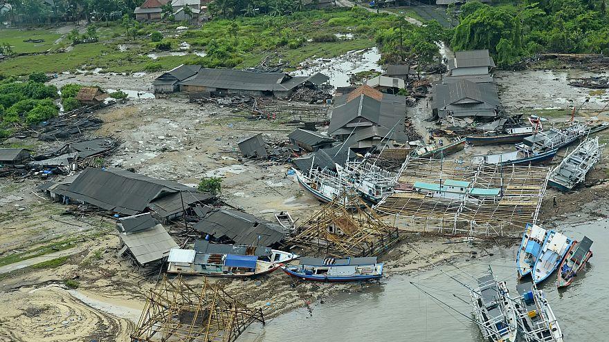 زلزال شدته 5.8 درجة يهز شرق إندونيسيا
