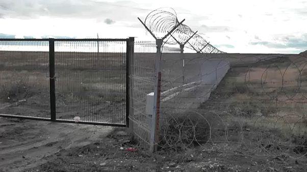 Rússia completa barreira entre Ucrânia e Crimeira anexada