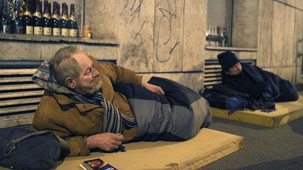 Többet adunk a hajléktalanoknak az ünnepek idején