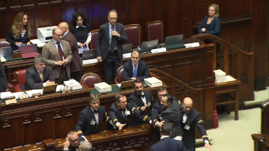 Tensión y enfrentamientos verbales en la Cámara de Diputados de Italia