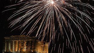 Silvesterfeuerwerke zum Jahr 2019 - rund um die Welt