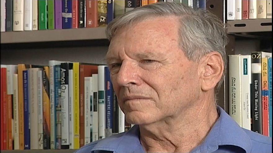 L'écrivain Amos Oz, lors d'un entretien avec Euronews en 2007