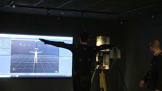 Présentation de la réalité virtuelle dans les locaux de la police, à Rome