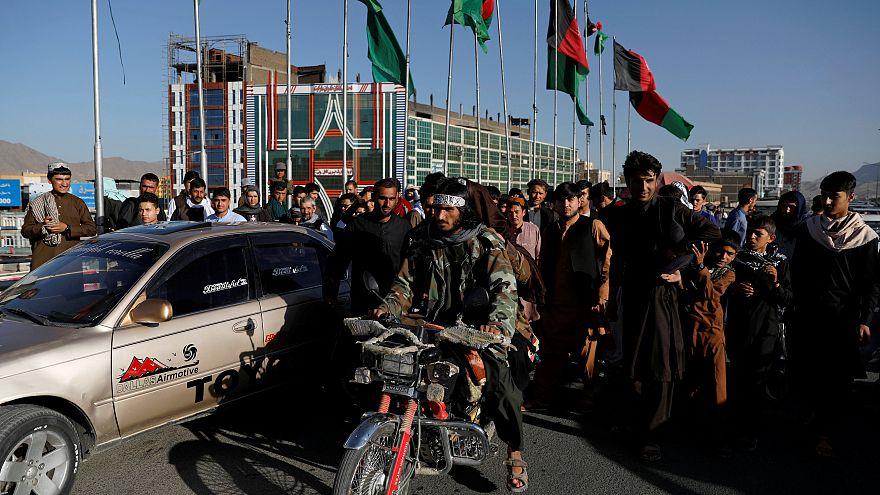 طالبان تسعى لتغيير صورتها مع تقدم محادثات السلام الأفغانية