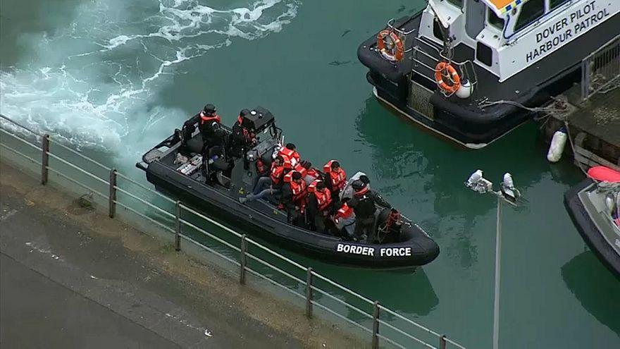 Des exilés interceptés au large de la Manche