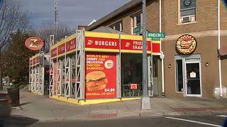 مطعم في واشنطن يقدم الشطائر مجاناً لموظفي الحكومة بعد إغلاقها جزئياً