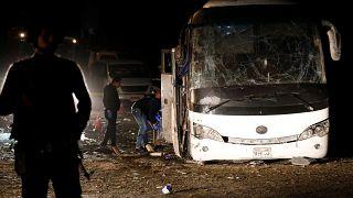 مقتل 3 فيتناميين ومرشد سياحي في انفجار استهدف حافلة في مصر