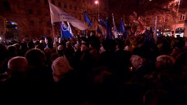 Tausende wollen Statue des Volkshelden Imre Nagy zurück