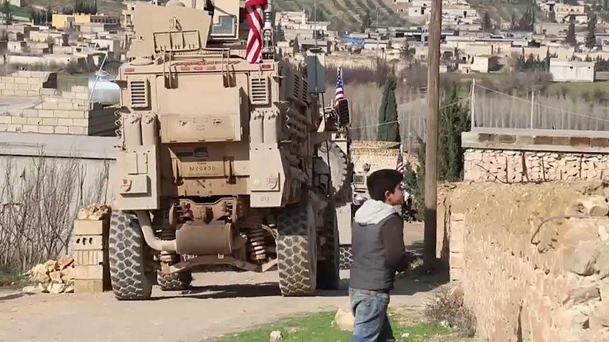 قادة أمريكيون يوصون باحتفاظ المقاتلين الأكراد بالأسلحة بعد الانسحاب من سوريا