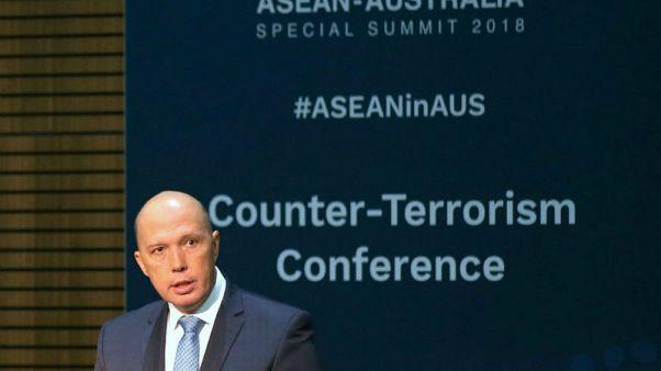 بيتر داتون وزير الشؤون الداخلية الاسترالي يتحدث خلال مؤتمر في سيدني