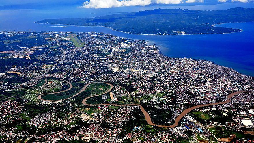 Erős földrengés a Fülöp-szigeteken
