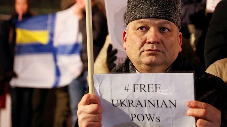 Moskova, Merkel ve Macron'un tutuklu Ukraynalı denizcilerin serbest bırakılması talebini reddetti