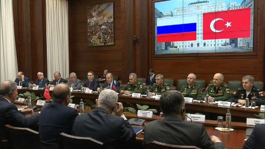 Rusia y Turquía planifican su papel en Siria tras la retirada de EEUU