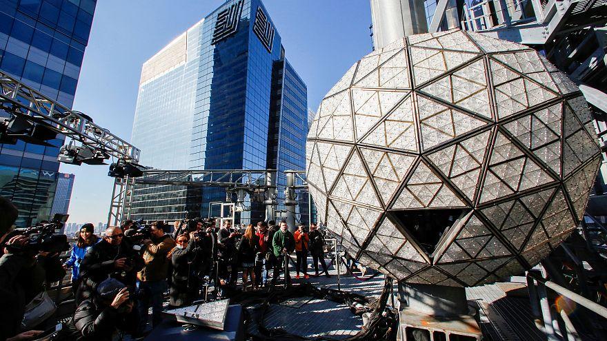 حرية الصحافة نجمة احتفالات السنة الجديدة في تايمز سكوير في نيويورك