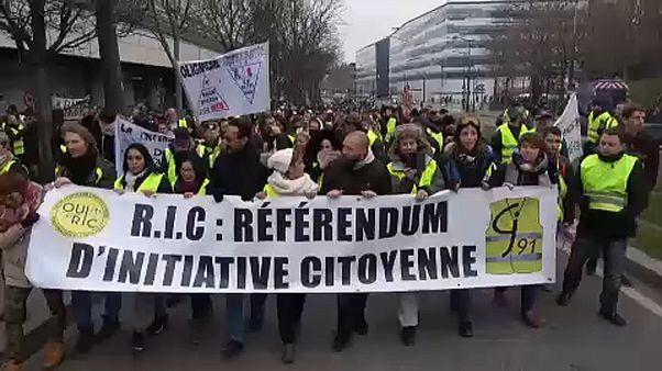 12.000 Gelbwesten - jetzt auch wütend auf Medien