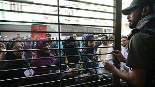 Forças de segurança estiveram muito ativas durante eleições do Bangladesh