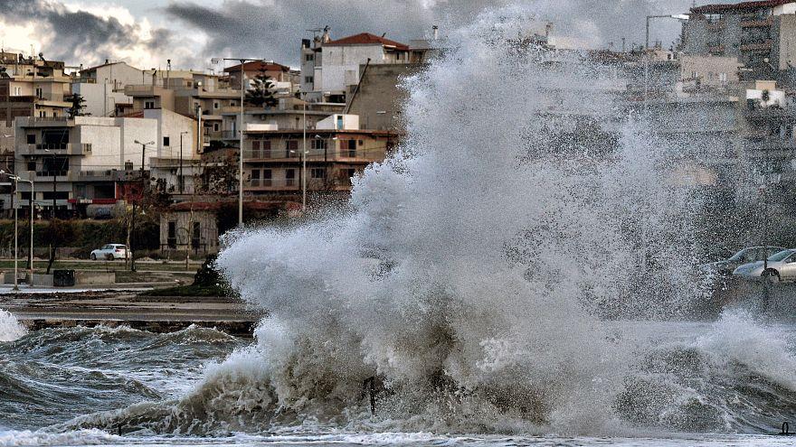 «Ραφαήλ» και «Σοφία»: Έρχονται δύο διαδοχικά έντονα κύματα κακοκαιρίας