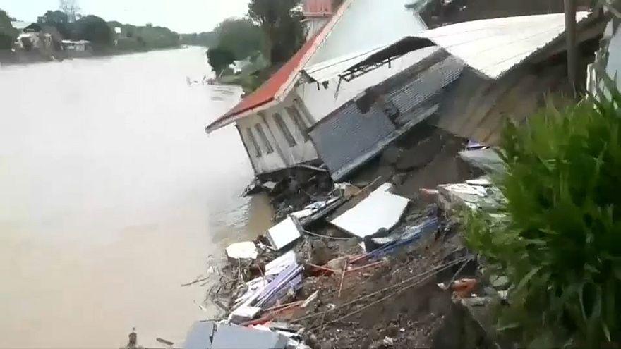 22 قتيلاً ضحية إعصار مداري في الفلبين