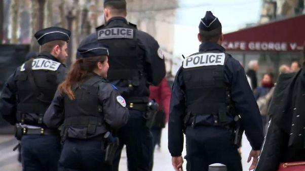 Paris : des festivités de fin d'année sous haute surveillance