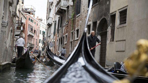 Venedik'e girişte turistlerden vergi alınacak