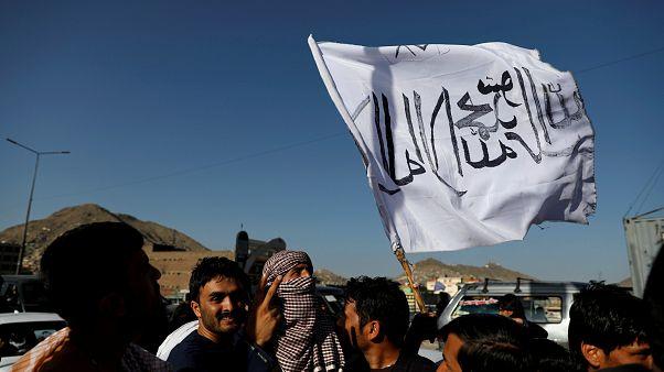 عکس آرشیوی از پرچم طالبان در کابل