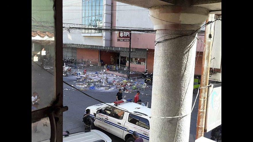 Explosion vor philippinischem Einkaufszentrum
