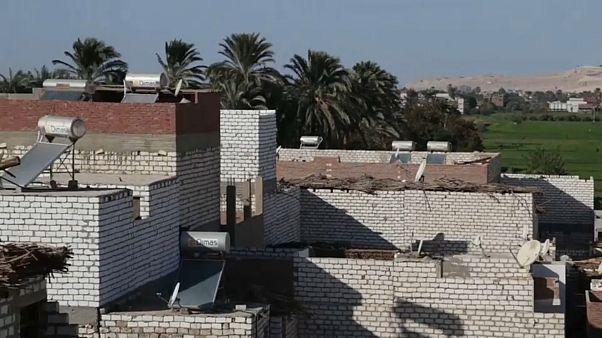 شاهد:  140 منزلاً في قرية في صعيد مصر يتبنون الطاقة الشمسية