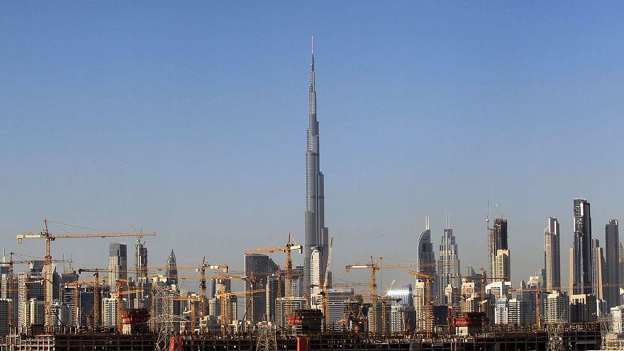 الإمارات تؤيد حكما بالسجن 10 أعوام على الناشط البارز أحمد منصور