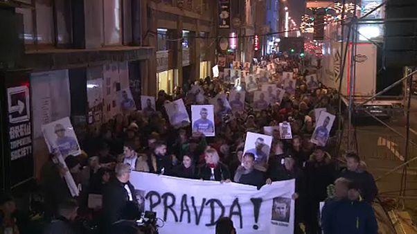 A boszniai szerb belügyminiszter lemondását követelik