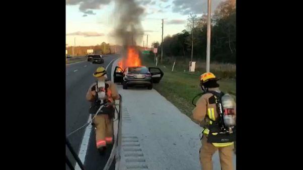 Διάσωση χριστουγεννιάτικου δώρου στη Φλόριντα από πυροσβέστες