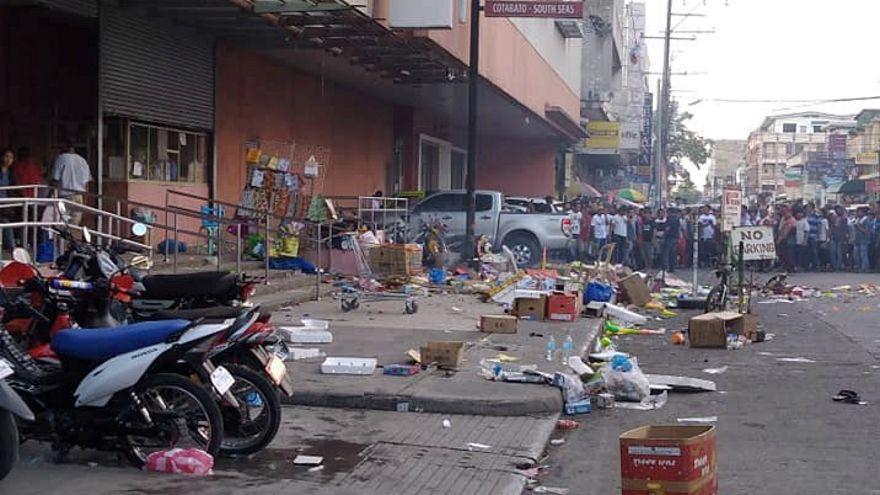 مقتل 2 وإصابة 28 في انفجار قنبلة أمام مركز تسوق في الفلبين