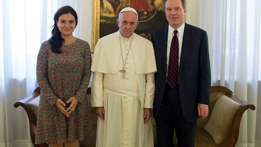 Pope Francis with spokespersons Greg Burke and Paloma Garcia Ovejero
