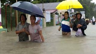 Aux Philippines, le bilan de la tempête s'alourdit
