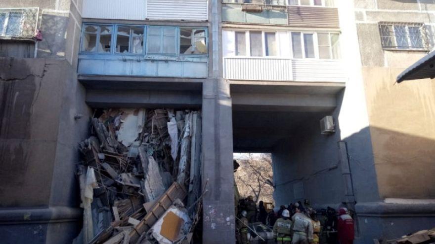 Esplosione in Russia: bimbo di 11 mesi estratto vivo dalle macerie