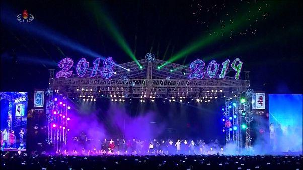 شاهد: هونغ كونغ تستقبل العام الجديد باحتفالات ضخمة