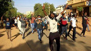 السودان: اعتقال أكثر من 800 شخص خلال الاحتجاجات المستمرة