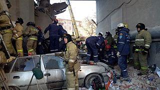 Rusya'da doğal gaz patlaması: Ölü sayısı artıyor, 15 kişi enkaz altında