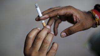 Malezya'da restoran ve kafelere tütün yasağı