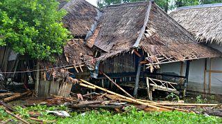 انهيارات أرضية تودي بحياة 9 أشخاص في إندونيسيا