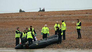 بريطانيا تنشر زورقي دورية لمواجهة المهاجرين العابرين لقناة المانش