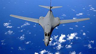 """القيادة الإستراتيجية الأمريكية تعتذر بسبب تغريدة عن """"إلقاء قنابل"""""""